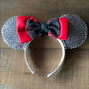 Stunning Minnie Mouse ears!